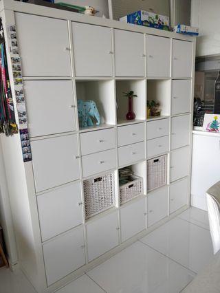 URGENT Kallax shelves