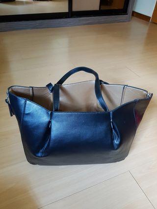 🚚 Reversible Black Gold bag