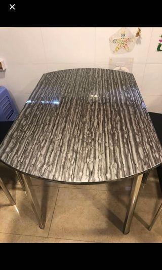 免費 雲石餐桌