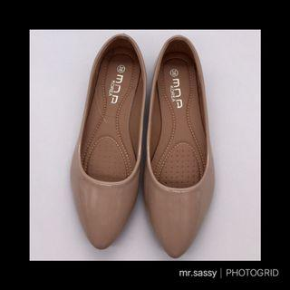 Flats (Apricot 35)