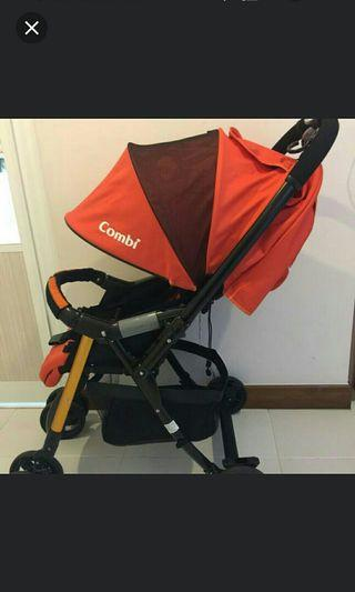 [FREE Delivery]Combi Urban Walker Lite stroller (Manual provided)