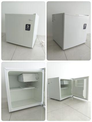 Midea MS50 Bar Fridge (Gross 50L)