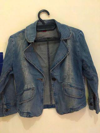 Jaket Jeans Ako (size L kecil) Dijual karna kekecilan