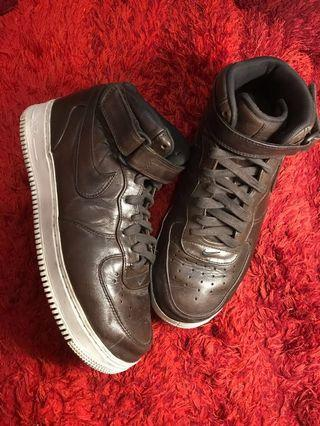 NIKE AIR FORCE LV8 high Leather brown