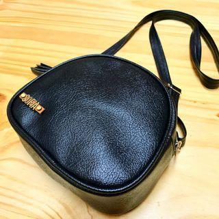 Tas selempang Berry Black customize Name / Slingbag Customize