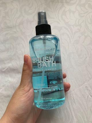 Gino McCray Brush Bath 250 ml
