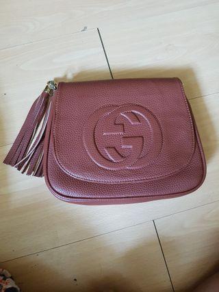 🚚 Gucci Sling Bag Soho NA