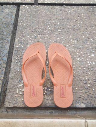 Sandal jepit casual wanita