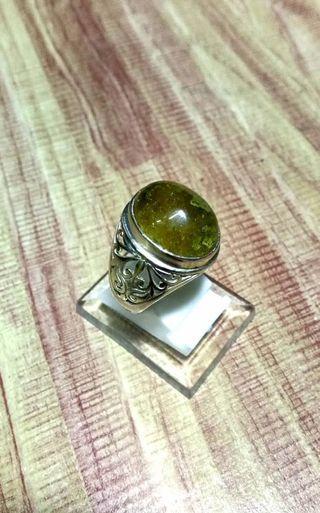 Cincin Batu Jarum Emas Berkarang