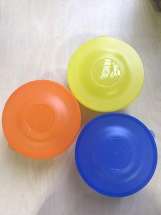 Tupperware Round Container!