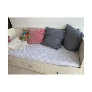 HEMNES Daybed with 3 drawers/2 mattresses, white