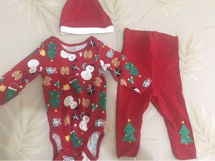 H&M Baby Santa/Christmas Costume 4 pc Set (2-4 months)