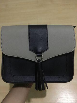 Slingbag black and grey