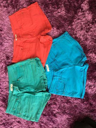 Blue/turquoise/red shorts