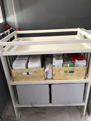 🚚 Baby Changing Table
