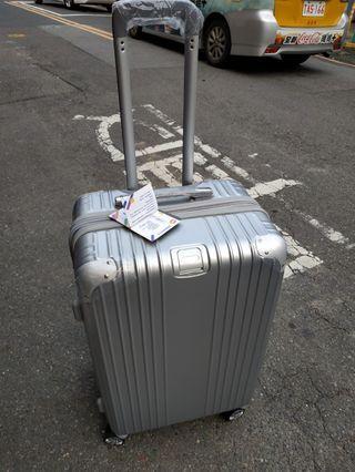 24吋行李箱,可以加大,國際鎖,板橋自取