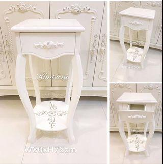 💯Brand new Victorian white side table