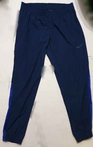 nike 專櫃正品 約9.5新 健身運動 吸濕排汗 縮腳褲 透氣 防風 慢跑 馬拉松 瑜伽 路跑