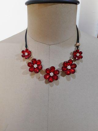 Erica necklace red