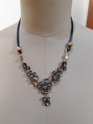 Siena necklace black
