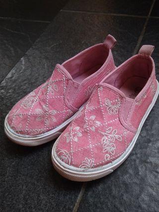 Sepatu pink litle m