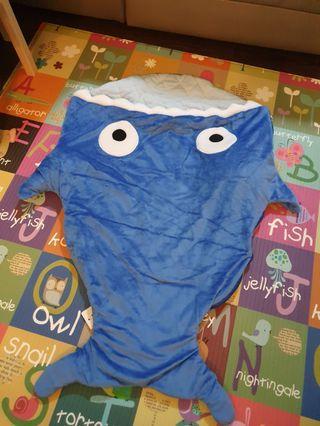 🚚 Baby shark blanket