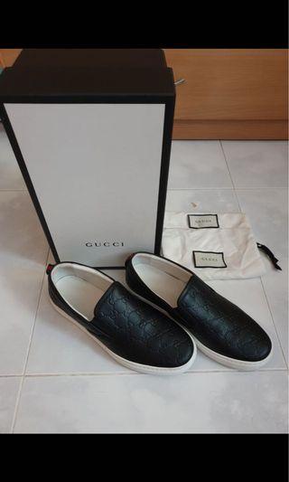 🚚 Gucci Slip on Monogram Black Shoes