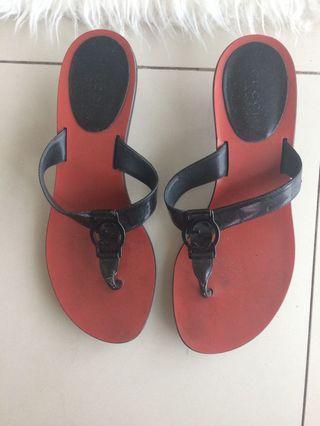 Reprice: Authentic Gucci sandals