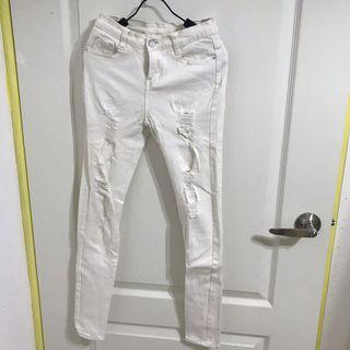 8成新 刷破彈力窄管牛仔褲 s