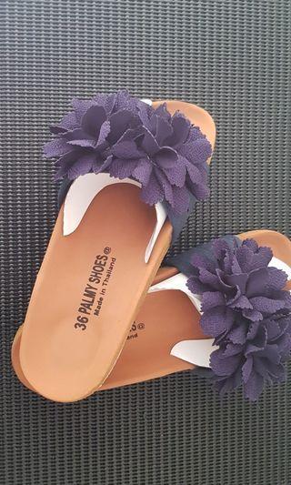 🚚 Blue floral sandals