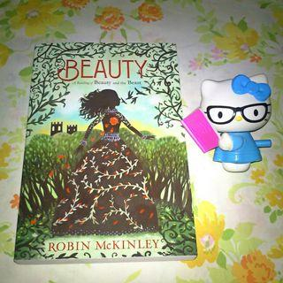Beauty: A Retelling of the Story of Beauty and the Beast (Folktales) by Robin McKinley