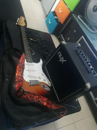 🚚 Still in good working conditions ,Monoprice California classic electric guitar.