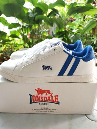 Lonsdale Casual/Sports shoes (Size UK11/ EUR45)