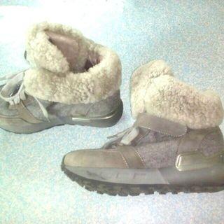 Sepatu Semi Boot tuk daerah dingin