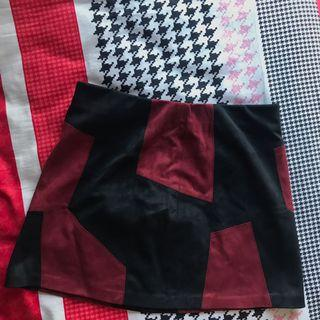 🚚 Suede Trafaluc Skirt