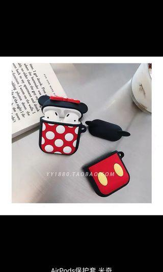 🚚 Mickey and minnie airpod cover