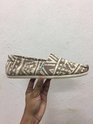 New Classic M Brown Tribal