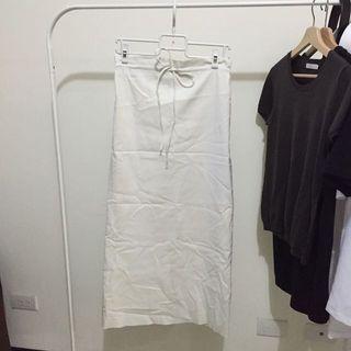 🚚 專櫃品牌 白色彈性長裙