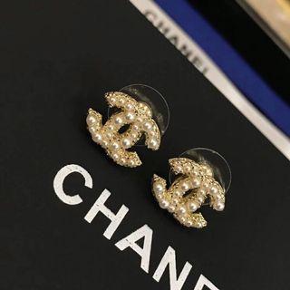 Chanel 珠耳環連盒