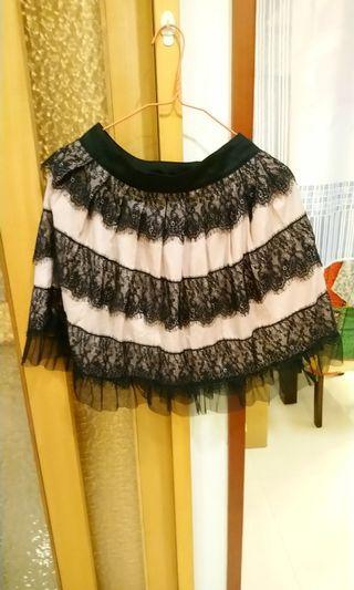 宮廷風蕾絲短裙