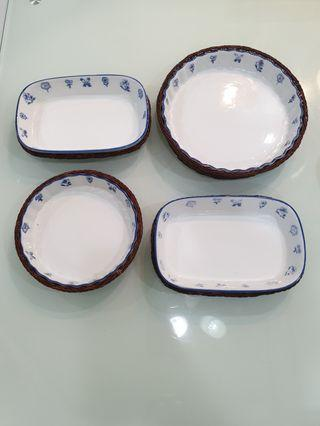 Country Porcelain Plates with wicker basket base