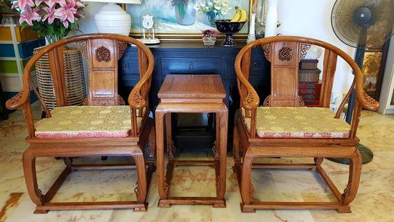 🚚 2 chinese chairs & 1 matching side table