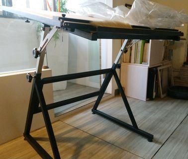 製圖桌,送可調高度椅子