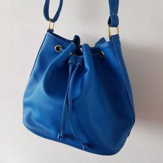 🚚 Bucket Bag