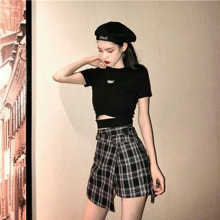 PO 995 Short Sleeve Black Crop Top Cut Out Strap Shirt with Checkered Square Gird Pattern Side Slit Mini Skirt Ulzzang 2 Piece Set