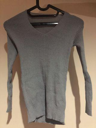 Sweater abu-abu