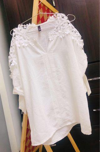 碎花網狀設計白色上衣