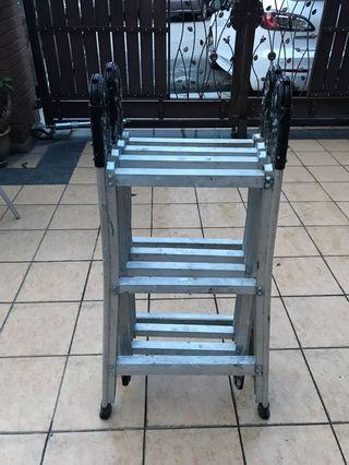 Heavy duty Articulated ladder (12 steps)