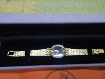 正品浪琴K金鑲鑽及祖母綠金錶