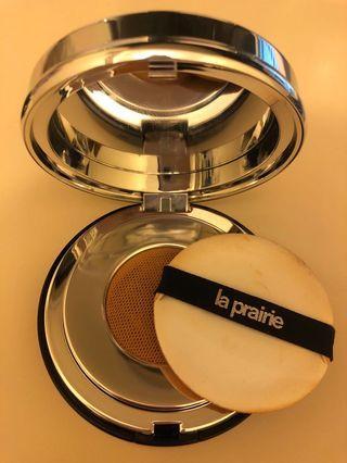 La Prairie skin caviar essence in foundation honey beige colour